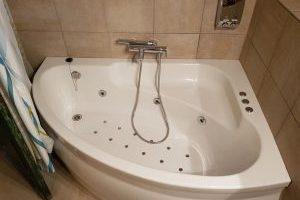 cómodo hotel con bañera de hidromasaje privada en San Gil
