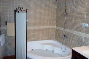 buena casa rural con bañera de hidromasaje