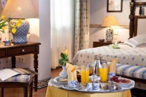 Confortable hotel con bañera de hidromasaje en la habitación en Maspalomas