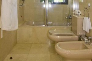 cómodo hotel con bañera de hidromasaje privada en Gran Canaria