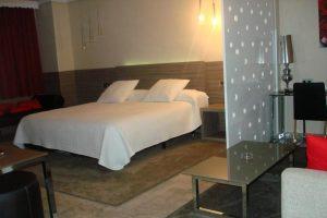Suite con bañera de hidromasaje en Cáceres