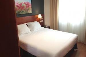 confortable hotel con bañera de hidromasaje privada en Baeza