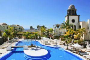 complejo de villas con bañera de hidromasaje privada en el suroeste de Tenerife