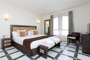 complejo hotelero de villas con bañera de hidromasaje en Tenerife