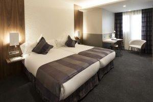 hotel con bañera de hidromasaje en la habitación del centro de Barcelona