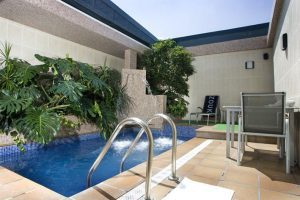 Hotel con piscina en la habitación en Madrid